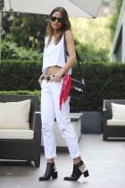 bandana-street-style-trend-red-bandana-white-baggy-boyfriend-jeans