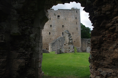 Travels in Scotland – Back on The Castle Trail (3/6)