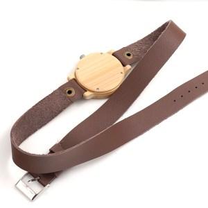 Ceas din lemn cu curea lunga