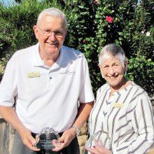 Dennis DeFrain and Phyllis Minsuk of LifeLong Learning were the recipients of the Kare Bears Founders Award.