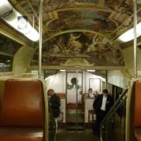 Des trains royaux. Quand la Galerie des Glaces prend le RER.