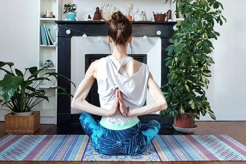Faire du yoga chez soi pour retrouver son intimité - Pratiquer le yoga chez soi