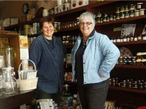 Sandra and Lise, Peches & Poivre's owners