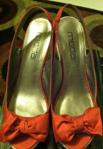 Red Bow Wedges, Moda purchased from DSW