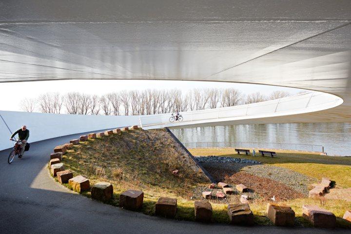 bab_schneider-schumacher_olhafen-bridge_05