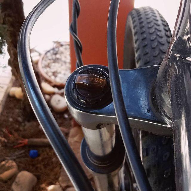 ajuste-de-pressao-suspensao-de-bike-caloi-explorer
