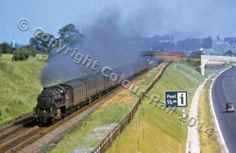 An almost empty Ml in 1960 as Stanier 2-6-0 No. 42951 passes. D CROSS/COLOUR-RAIL.COM