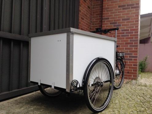 """Cargo Bike """"Berliner Lastenfahrrad"""" mit Alu-Dibond Kiste in weiß"""