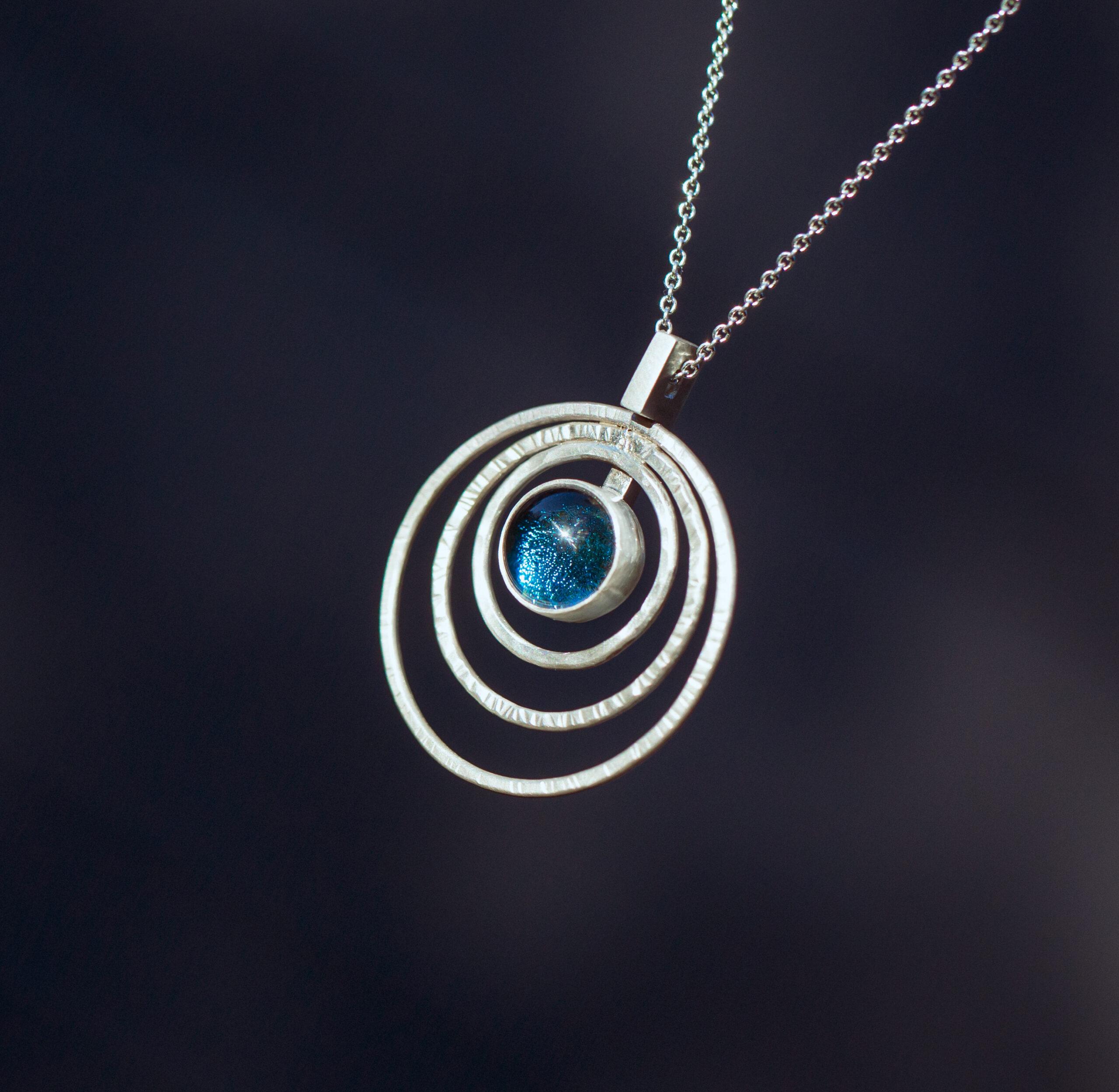 Lucie Harris Glass, Unique Silver jewellery necklace