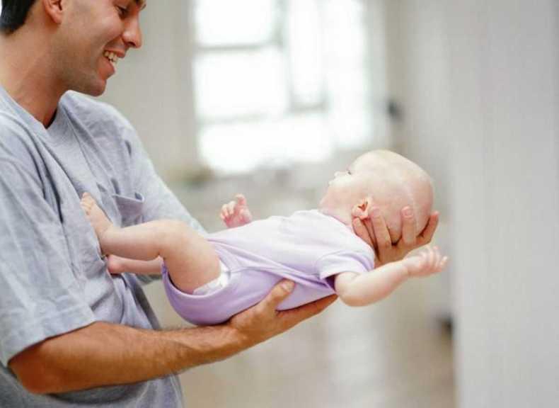 Как отучить ребенка от рук - 2