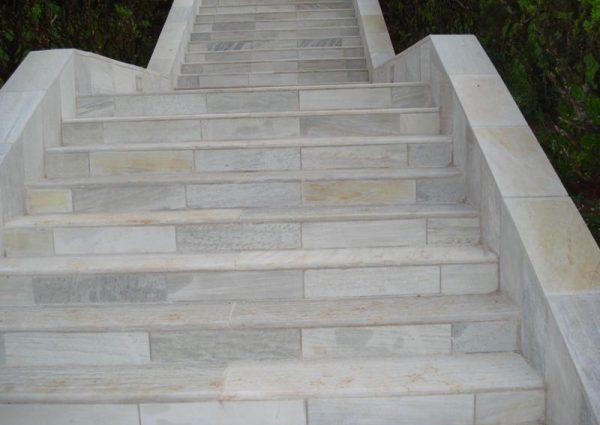 Escada Pedra São Tomé