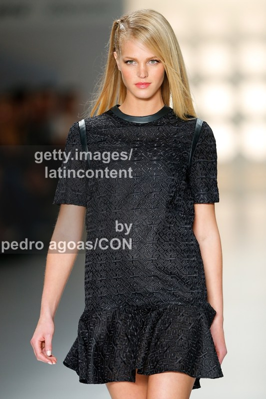 SAO PAULO, BRAZIL - MARCH 21: Erin Heatherton walks down the runway showing a design by Colcci during São Paulo Fashion Week (SPFW) Summer 2013/2014 on March 21, 2013 in São Paulo, Brazil. (Photo by Pedro Agoas/LatinContent/Getty Images)