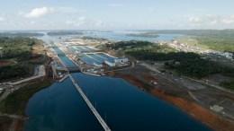Un grupo chino se la juega en el Canal de Panamá - Un grupo chino se la juega en el Canal de Panamá