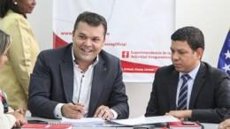 Yosmer Arellán es el nuevo Superintendente Nacional de Valores - Yosmer Arellán es el nuevo Superintendente Nacional de Valores