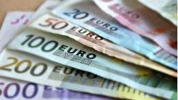 Eurodiputados exigen férreo control sobre el dinero en efectivo - Eurodiputados exigen férreo control sobre el dinero en efectivo