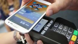 Ecuatorianos disfrutan de más canales electrónicos en la banca - Ecuatorianos disfrutan de más canales electrónicos en la banca
