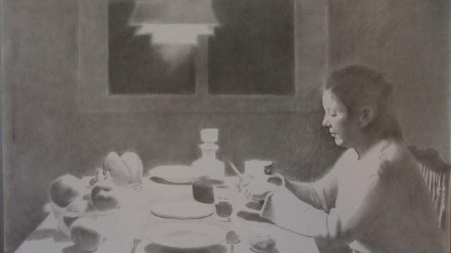 """Figura a la mesa"""