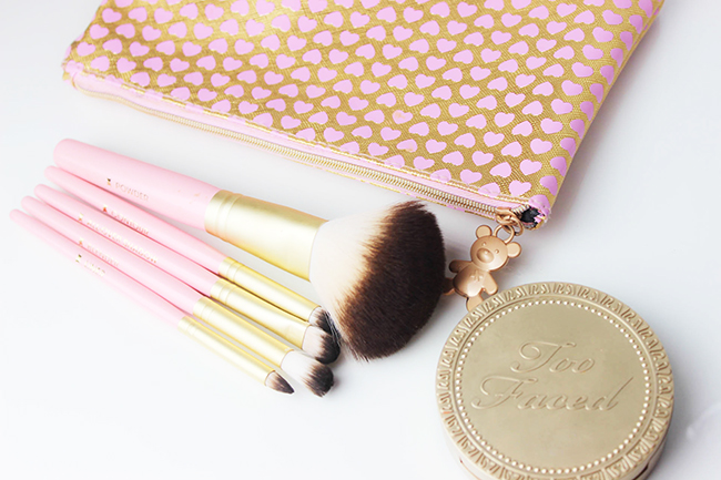 Absolute Essentials- Set de pinceaux TOO FACED-11