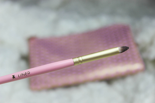 Absolute Essentials- Set de pinceaux TOO FACED-25