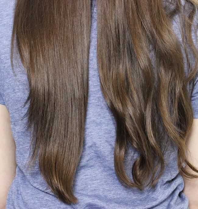 Dafni-brosse-lisser-cheveux-ondules-pendant
