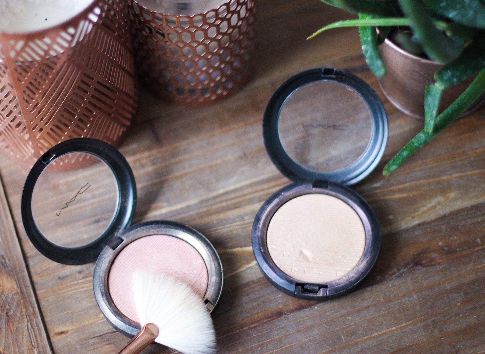 highlighters Skinfinish_Extra Dimension_MACcosmetics-11