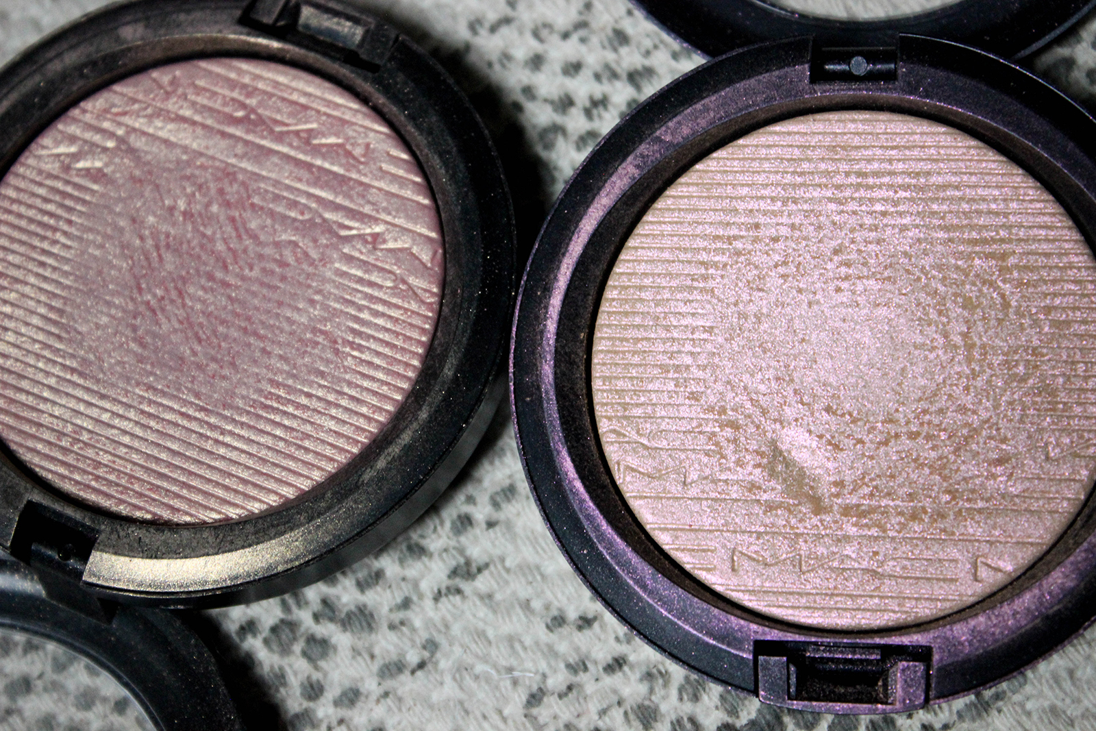 highlighters Skinfinish_Extra Dimension_MACcosmetics-6