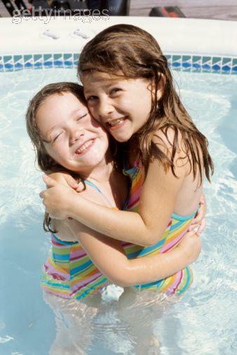 Girls_in_pool