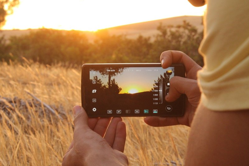 Best Smartphone For Filmmaking In 2020 - Video Recording