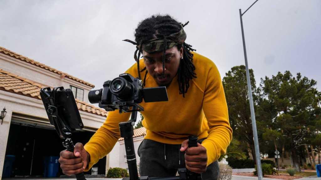 Camera Stabilizer_vlogging_tools