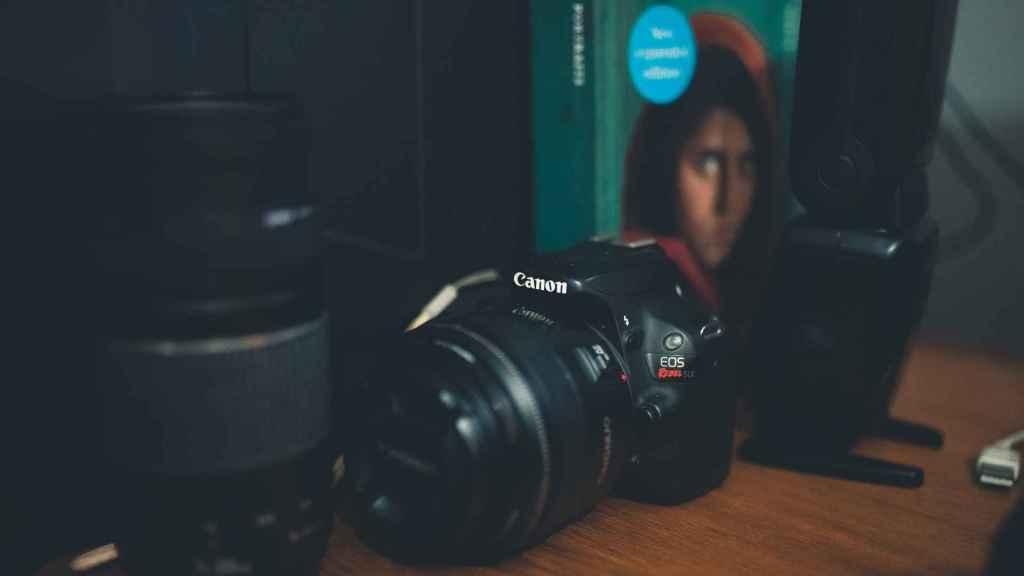 10 Essential Vlogging Youtuber Camera Gear On Amazon