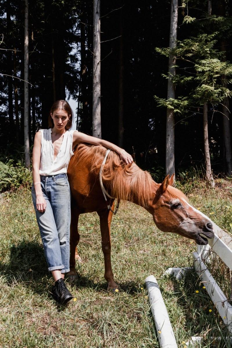 www.pegasebuzz.com   Alyssa Knowling by Josie Simonet for LA Canvas magazine