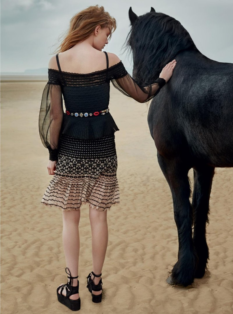 www.pegasebuzz.com   Hollie-May Saker by Agata Pospieszynska for Harper's Bazaar UK, july 2016