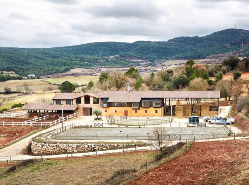 www.pegasebuzz.com | Dream Barn : La Llena Equestrian Center, Spain, by architects Vicente Sarrablo and Jaume Colom.