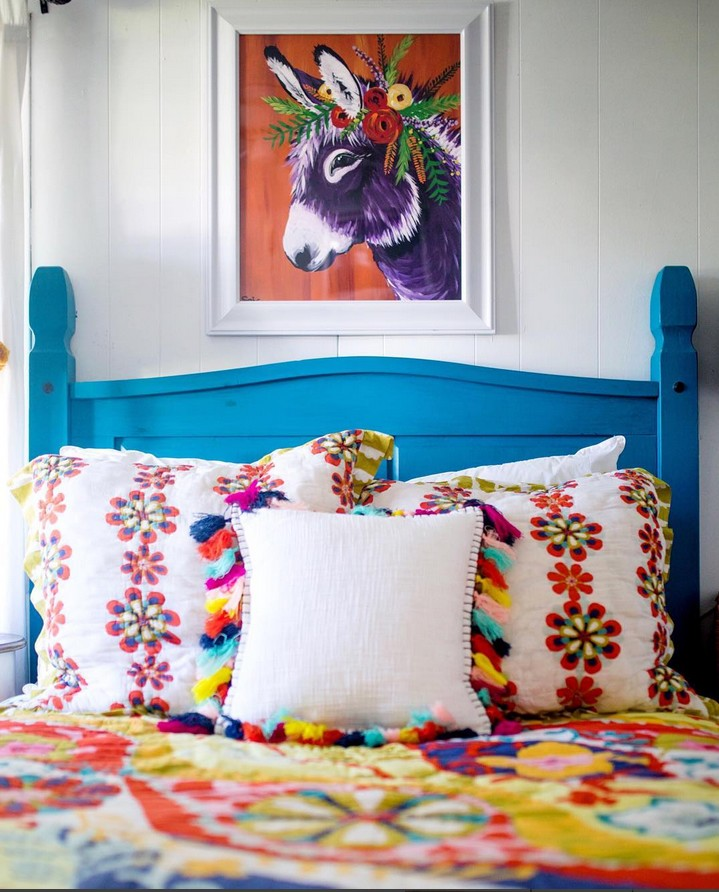 www.pegasebuzz.com | Interior decor : Spring Whitaker - donkeys