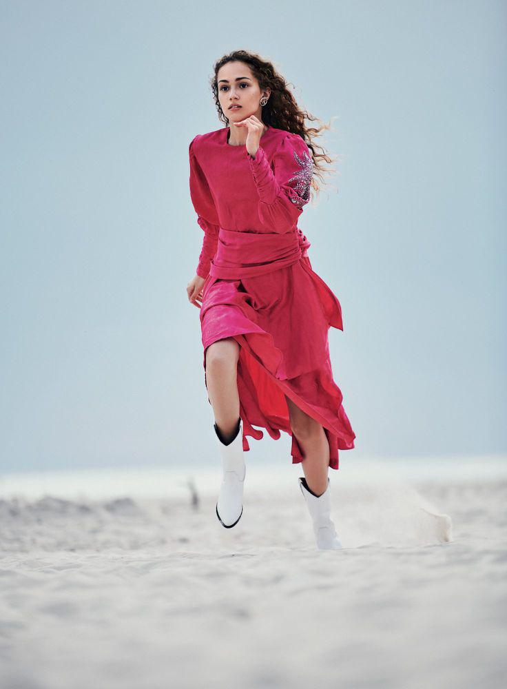 www.pegasebuzz.com | Michelle Gutknecht by Adam Plucinski for Harper's Bazaar Poland, january 2019.