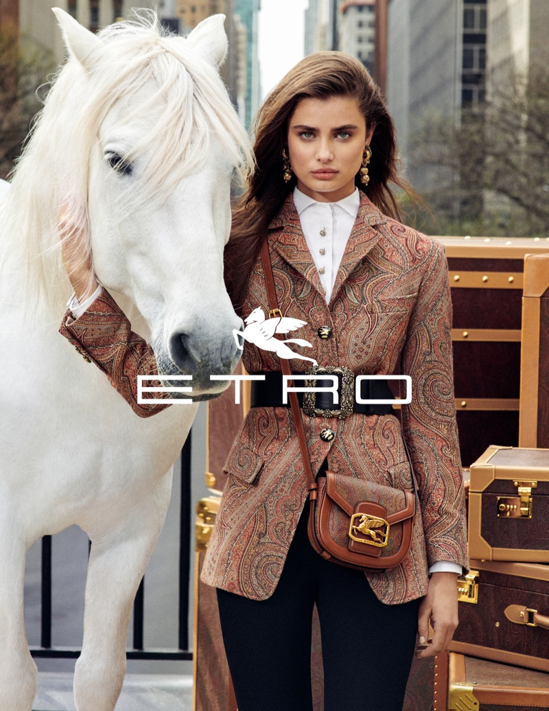 www.pegasebuzz.com | Cass Bird for Etro, Fall 2019 - Taylor Hill.