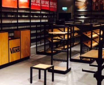 VANS STORE – BRAINTREE & LIVINGSTON