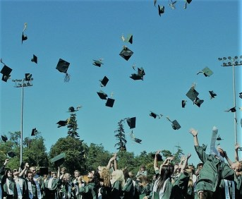 graduation-995042_1920