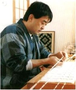shoji-yamamura-tying-threads