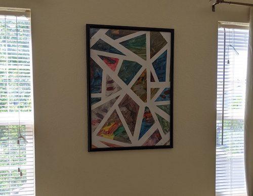 Proyecto de arte con niños enmarcado en el salón