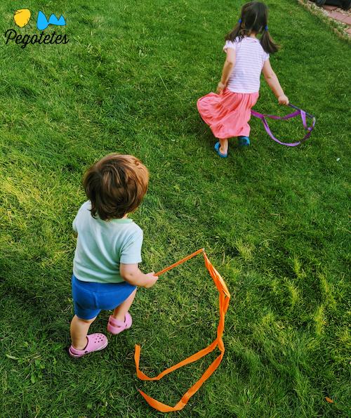 Dentro o fuera de casa, los pegotetes de todas las edades necesitan la actividad física.