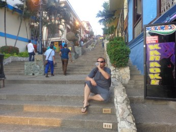 450 degraus até lá em cima... em Guayaquil!