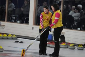 Team Canada edges PEI in Scotties extra end, MacPhee plays Quebec in lone game Monday (Journal)