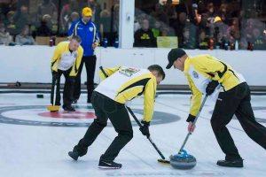 Top teams advance to Travelers gold medal games (Curling Canada)