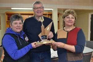 Cornwall teams beat defending champs to claim stick curling titles (Journal)
