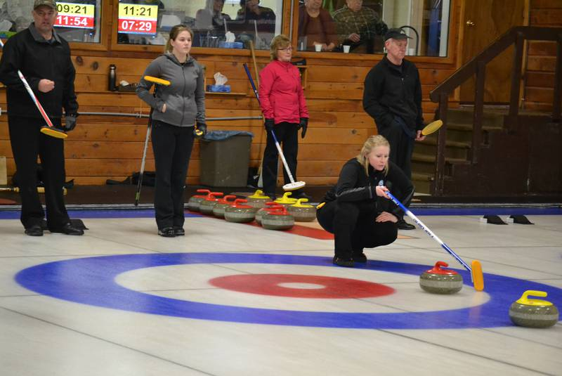 "Newson, MacKenzie to meet in PEI Mixed ""A"" event final (Journal)"