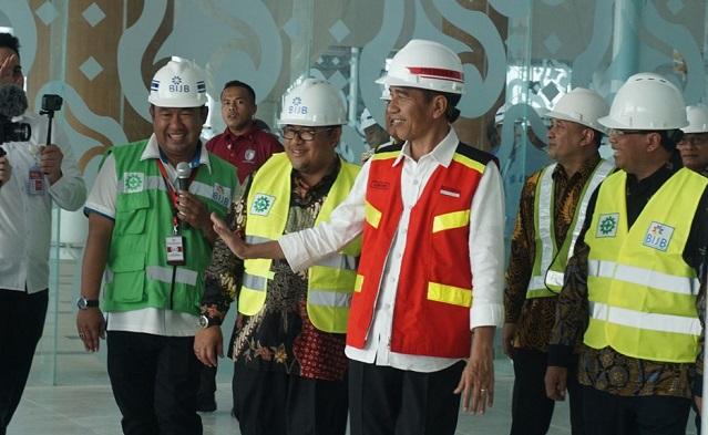 Jokowi di Bandara Kertajati