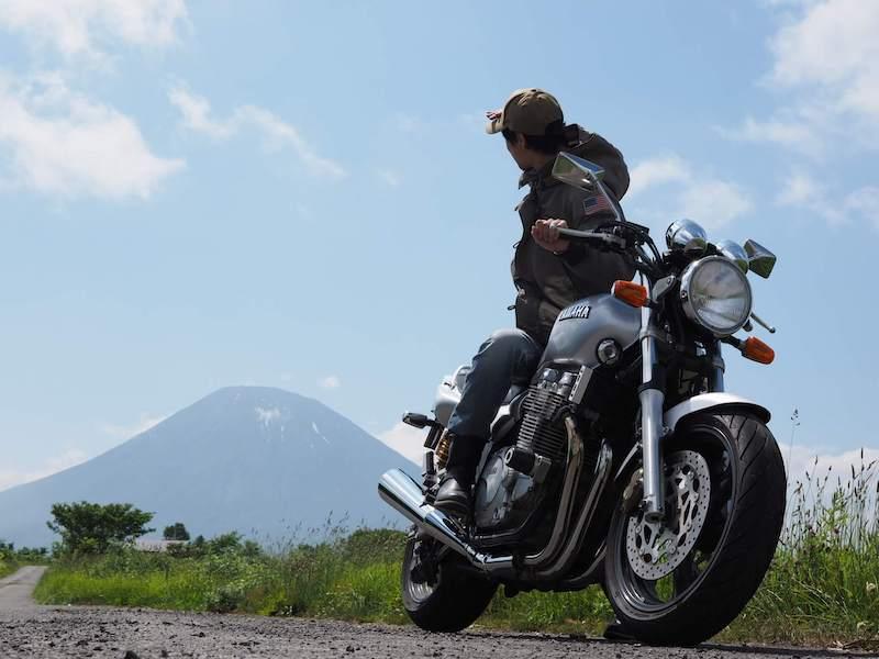 羊蹄山とバイクとぺけらいふ