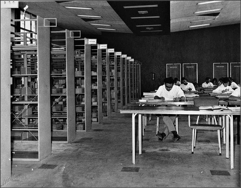 university_malaya_library_1959_bw