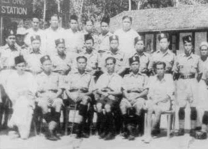 Gambar kenangan anggota polis Bukit Kepong